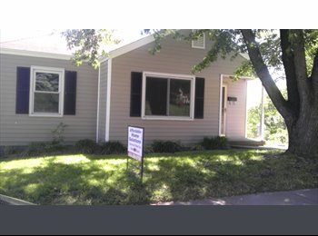EasyRoommate US - Looking for female roommates to share expenses - St Charles Area, St Louis - $450