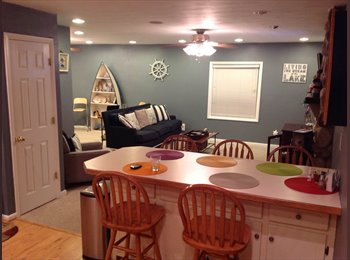 EasyRoommate US - Spacious Lakefront House with Room for Rent - Kempsville, Virginia Beach - $600