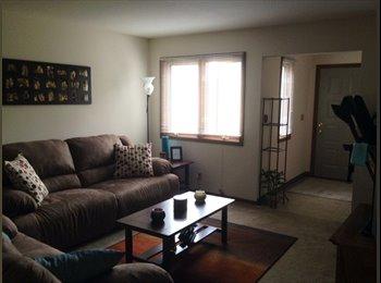 EasyRoommate US - Room avail. NORTH side close to Carthage/Parkside - Kenosha, Kenosha - $550