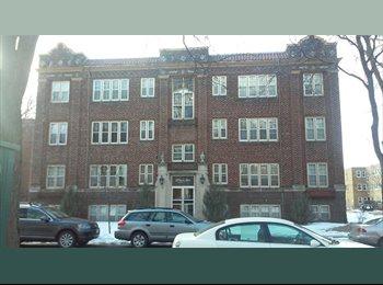 EasyRoommate US - Chill Roommate Needed, $400/month - Calhoun-Isles, Minneapolis / St Paul - $400