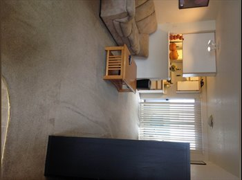 EasyRoommate US - Temporary room for the month of November - Clackamas, Portland Area - $500