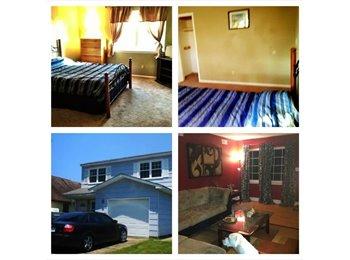 EasyRoommate US - Room for rent in three bedroom house $400 plus 1/2 utilities - Lynnhaven, Virginia Beach - $400
