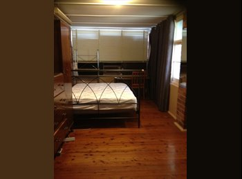 EasyRoommate AU - FURNISHED ROOM FOR RENT -CLSE TO SHOPS & TRAIN STN - Caringbah, Sydney - $1000