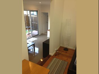 EasyRoommate AU  Renovated self contained studio fully furnished. - Sunnybank, South, Brisbane - $1300 per Month(s),$300 per Week - Image 1