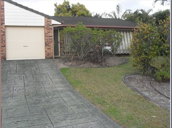 EasyRoommate AU - Cosy, friendly unit located on Central Gold Coast - Ashmore, Gold Coast - $563