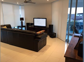 EasyRoommate AU - Room available in Water's Edge Apartment - West End, Brisbane - $1300