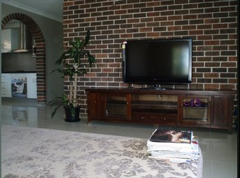 EasyRoommate AU - Great room in Parramatta CBD for a female flatmate - Parramatta, Sydney - $867