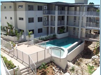 EasyRoommate AU - Beautiful apartment minutes from the strand - North Ward, Townsville - $737