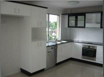 EasyRoommate AU - Room for rent - Toowong - Toowong, Brisbane - $1018