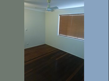 EasyRoommate AU - Large room for rent - Southport, Gold Coast - $563