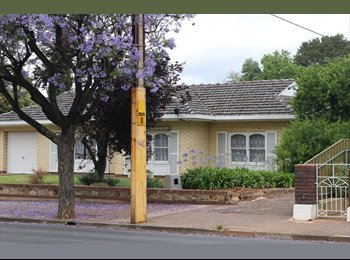 EasyRoommate AU - Houseshare in Myrtle Bank/air-conditioner all room - Myrtle Bank, Adelaide - $628
