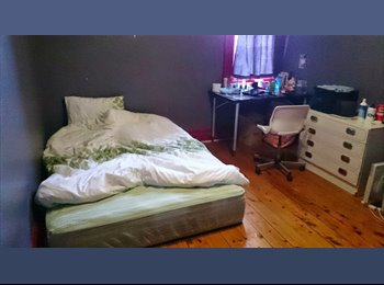 EasyRoommate AU - A large room for rent in Collingwood - Collingwood, Melbourne - $867