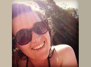 EasyRoommate AU - Sarah - 22 - Townsville
