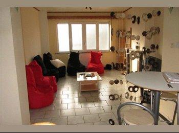 Appartager BE - Chambre de 16m² dans une maison unifamiliale - Saint-Nicolas, Liège-Luik - €250