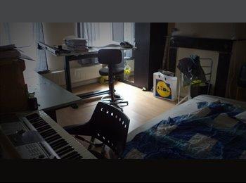 Appartager BE - Chambre 22m³ au 1er étage. - Saint-Nicolas, Liège-Luik - €290