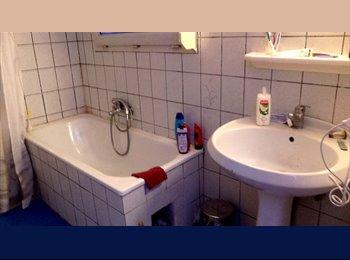Appartager BE - Chambre mansardée 22m² remise à neuf - Saint-Nicolas, Liège-Luik - €300