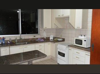 EasyQuarto BR - Apartamento espaçoso,bem localizado e ótimo preço! - Outros, Goiânia - R$600