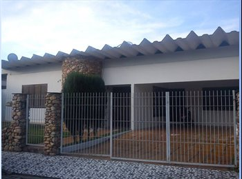 EasyQuarto BR - Alugo quartos pra moças - Blumenau, Vale do Itajaí - Blumenau - R$350