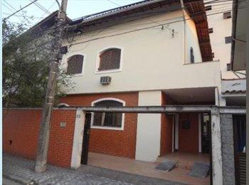 EasyQuarto BR - Alugo quartos/suite mobiliados - Santos, RM Baixada Santista - R$1000