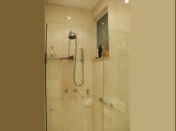 EasyQuarto BR - Procuro duas meninas para dividir apartamento. - Laranjeiras, Rio de Janeiro (Capital) - R$1500