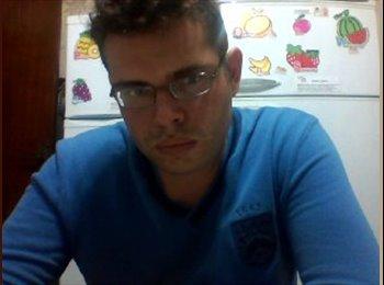 EasyQuarto BR - Tiago  - 23 - São José dos Campos