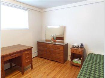 EasyRoommate CA - Chambre à louer pour janvier 2015 - Ste-Foy-Sillery, Québec City - $420
