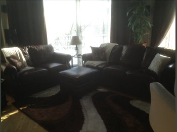 EasyRoommate CA - Chambre à louer dans maison Haut de Gamme - Loretteville, Québec City - $560