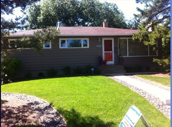 EasyRoommate CA - Roommate wanted for comfortable Meadowlark Park home - North West, Edmonton - $900