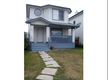 EasyRoommate CA - Spacious clean home has 2 rooms available for rent - Calgary, Calgary - $600