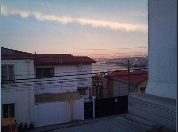 CompartoDepto CL - Arriendo pieza Cerro Alegre $80.000 - Valparaíso, Valparaíso - CH$85000