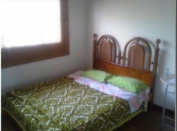 CompartoApto CO - Habitación  en casa Bonanza - Zona Occidente, Bogotá - COP$*