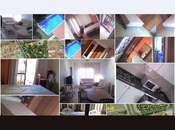 EasyPiso ES - Habitación a 3 minutos del AVE, en el centro para chicas profesoras o estudiantes. - Ciudad Jardín, Córdoba - €190