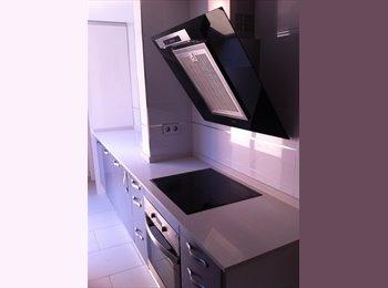 EasyPiso ES - Se alquila habitación individual - Sabadell, Barcelona - €300