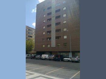 EasyPiso ES - ESTUDIANTES O PROFESIONALES JOVENES - Centro, Navarra - €250