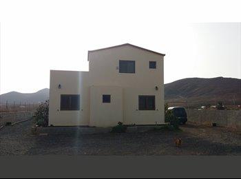 EasyPiso ES - finca  en el mismo centro de fuerteventura - Centro, Fuerteventura - €300