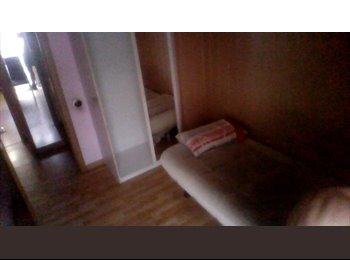 EasyPiso ES - Compartir piso 100m zona residencial Gavà - Castelldefels, Barcelona - €290