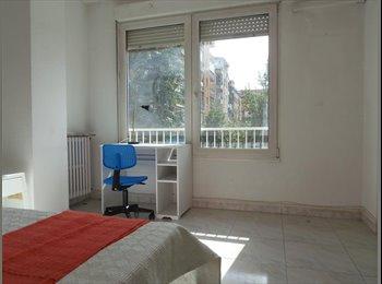 EasyPiso ES - Habitacion bonita en Granada (Camino de Ronda) - Centro Ciudad, Granada - €275