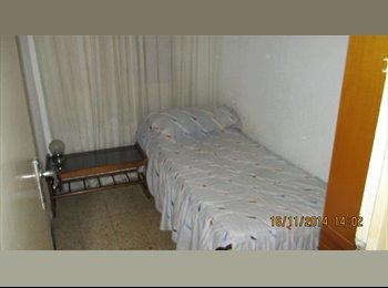 EasyPiso ES - Alquilo Habitacion - El Prat, Barcelona - €250