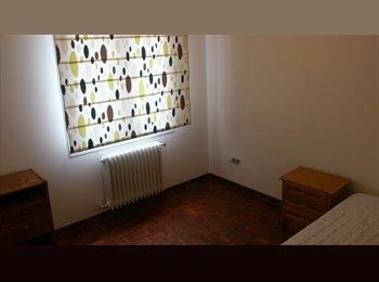EasyPiso ES - Habitaciones Iturrama - Centro, Navarra - €240