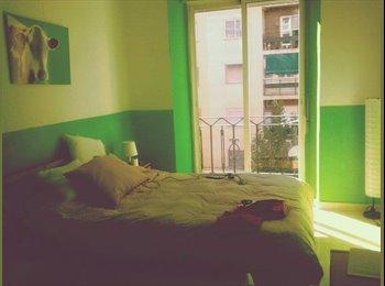 EasyPiso ES - Habitacion Doble grande luminosa (erasmus!) - Beiro, Granada - €250