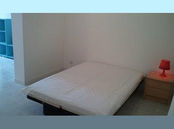 Appartager FR - F1 ds grde maison  quart calme à 3 min du centre - La Roche-sur-Yon, La Roche-sur-Yon - €350