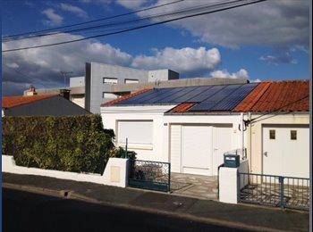 Appartager FR - Maison de 2 colocations de 2 colocataires - La Roche-sur-Yon, La Roche-sur-Yon - €265