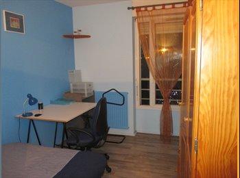 Appartager FR -  chambre  quartier Faubourg Arche de la Défense - Courbevoie, Paris - Ile De France - €650