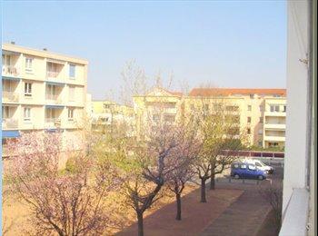 Appartager FR - Chambre libre dans un appartement - Bron, Lyon - €420