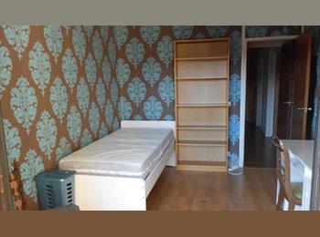 Appartager FR - CHAMBRES MEUBLEES VAUBAN-LA CATHO - Vauban Esquermes, Lille - €350