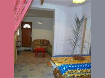 Appartager FR - Chambres dans maison en coloc Etudiante Intra Muro - Avignon, Avignon - €350