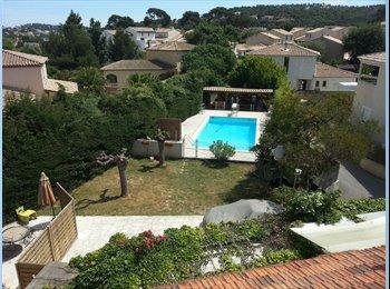 Appartager FR - loue chambre ds villa  sur six fours les plages - Six-Fours-les-Plages, Toulon - €550