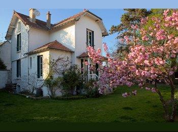 Appartager FR - Chambre a 20 min de Paris - Vernouillet, Paris - Ile De France - €500