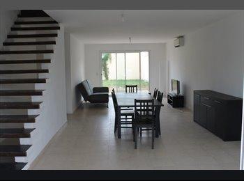 Appartager FR - Grande maison meublée pour une coloc à 5 - Pessac, Bordeaux - €380