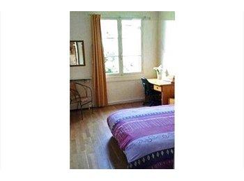 Appartager FR - Chambre avec lit double dans maison avec jardin - Mérignac, Bordeaux - €420